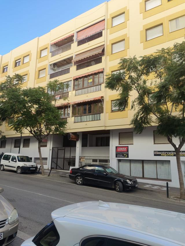 Piso en venta en Garrucha, Garrucha, Almería, Calle Mayor, 130.000 €, 3 habitaciones, 2 baños, 119 m2