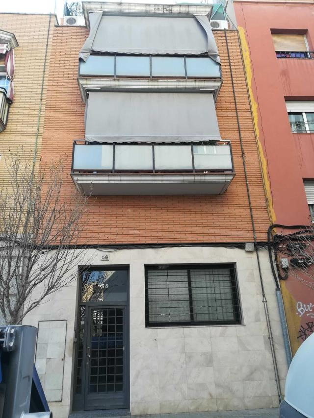 Piso en venta en L` Hospitalet de Llobregat, Barcelona, Calle Campoamor, 108.400 €, 56 m2