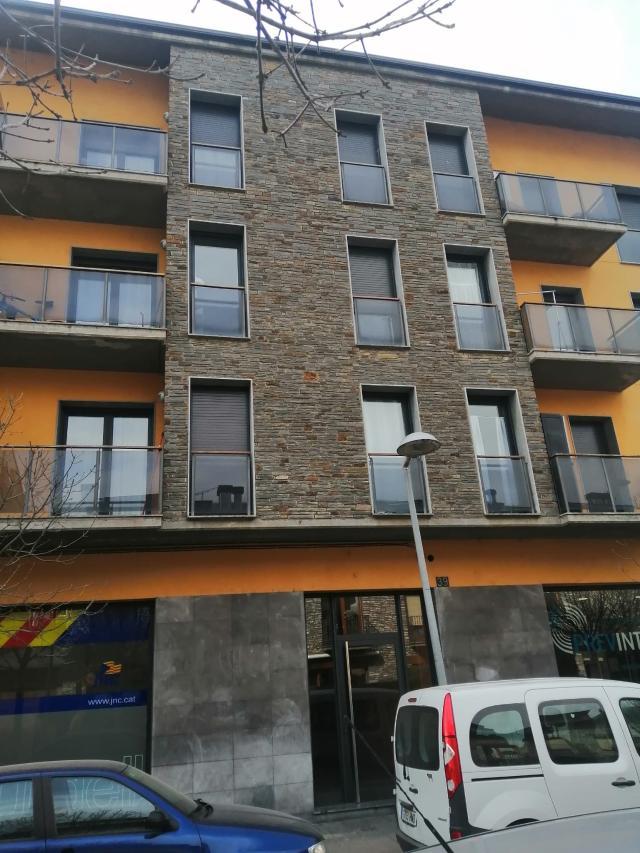 Piso en venta en Borda Sellarès, la Seu D`urgell, Lleida, Calle Joaquim Viola Lafuerza, 181.000 €, 4 habitaciones, 3 baños, 154 m2