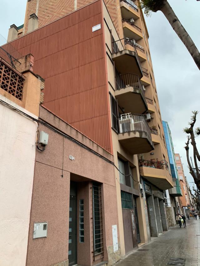 Piso en venta en Sant Andreu de la Barca, Barcelona, Calle de Barcelona, 125.000 €, 2 habitaciones, 1 baño, 63 m2