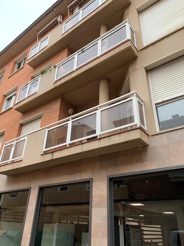 Piso en venta en El Carme, Reus, Tarragona, Calle Canal, 95.000 €, 4 habitaciones, 2 baños, 113 m2