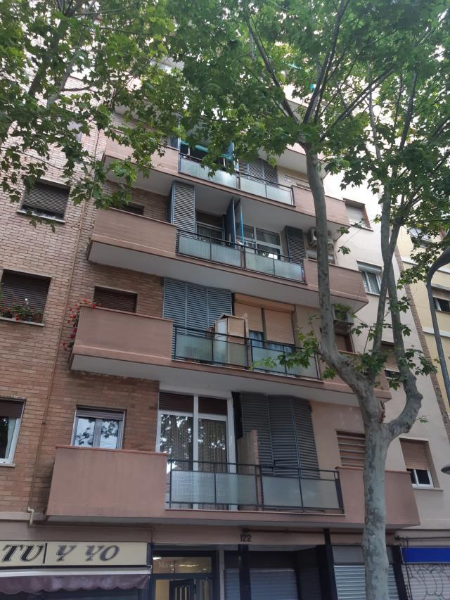 Piso en venta en Sant Martí, Barcelona, Barcelona, Calle Maresme, 119.000 €, 2 habitaciones, 1 baño, 70 m2