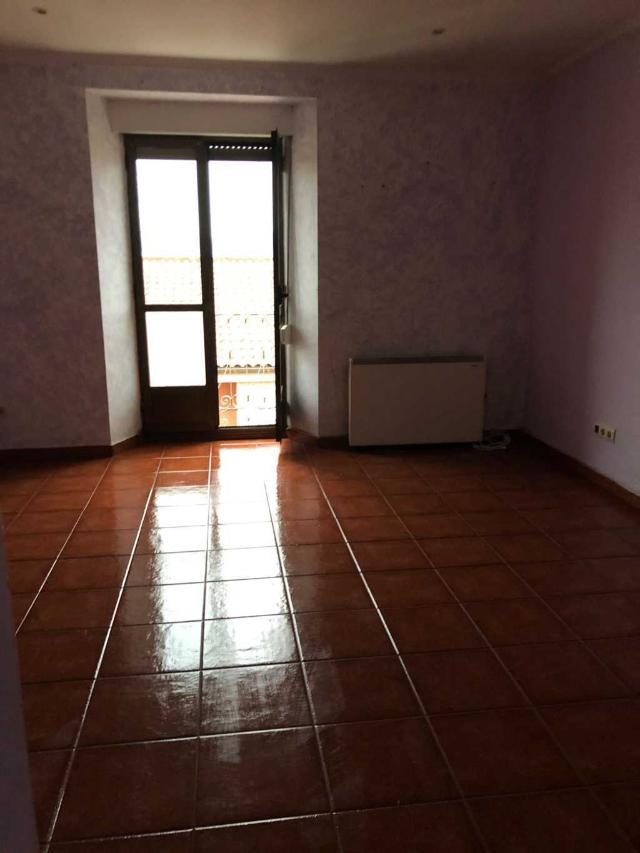 Piso en venta en Distrito Sur, Gijón, Asturias, Calle Socorro, 73.000 €, 2 habitaciones, 2 baños, 95 m2