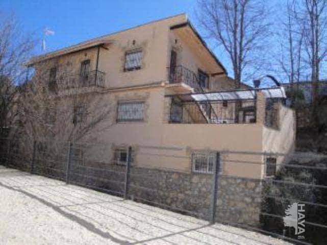 Casa en venta en Alique, Guadalajara, Calle Iglesia, 89.700 €, 4 habitaciones, 2 baños, 304 m2
