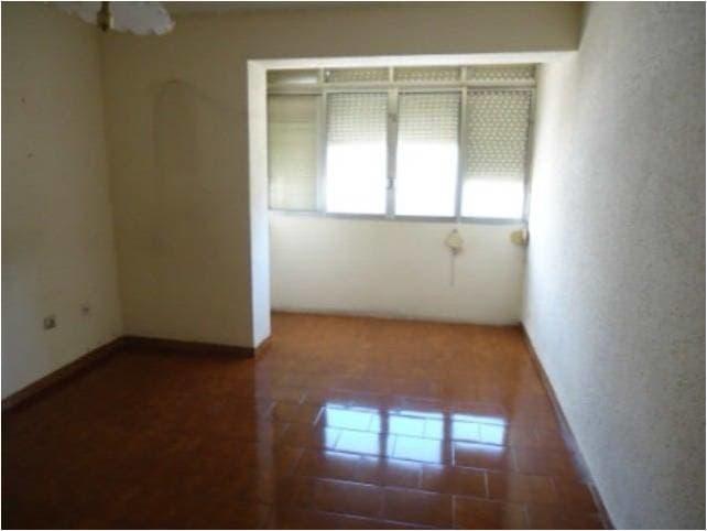 Piso en venta en Piso en Reus, Tarragona, 46.100 €, 3 habitaciones, 1 baño, 70 m2