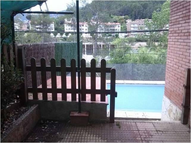 Casa en venta en Cervelló, Barcelona, Calle Lluis Millet, 277.000 €, 6 habitaciones, 2 baños, 177 m2