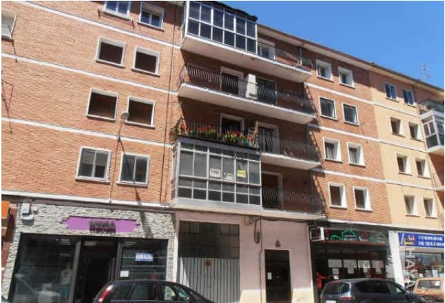 Piso en venta en Horna, Villarcayo de Merindad de Castilla la Vieja, Burgos, Calle Obras Publicas, 34.000 €, 4 habitaciones, 2 baños, 85 m2