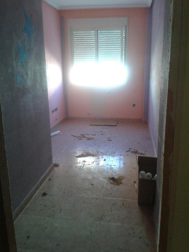 Piso en venta en Azuqueca de Henares, Guadalajara, Calle Carmen Conde, 85.000 €, 1 habitación, 1 baño, 66 m2