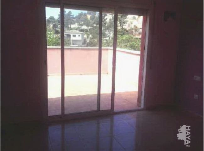 Casa en venta en Aiguaviva Parc, Vidreres, Girona, Calle Avellaner, 148.000 €, 5 habitaciones, 3 baños, 125 m2