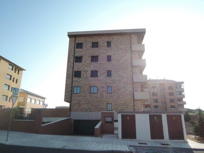 Piso en venta en Ávila, Ávila, Calle Ciudad de Caceres, 157.000 €, 4 habitaciones, 2 baños, 119,57 m2