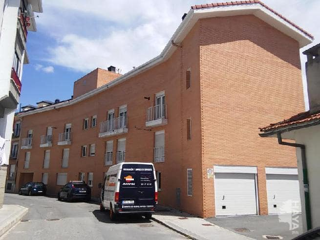 Piso en venta en El Espinar, Segovia, Calle Isaac Peral, 93.000 €, 2 habitaciones, 2 baños, 143 m2
