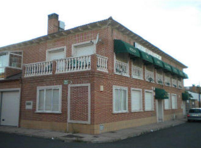 Local en venta en Valdestillas, Valdestillas, Valladolid, Calle Hoyo de la Arena, 66.000 €, 365 m2