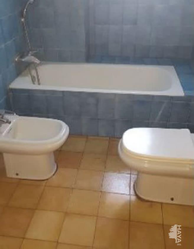 Piso en venta en Novelda, Novelda, Alicante, Calle Eleuterio Maisonnave, 65.000 €, 4 habitaciones, 1 baño, 123 m2