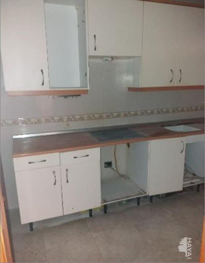 Casa en venta en Chozas de Canales, Toledo, Calle Granada, 70.400 €, 4 habitaciones, 3 baños, 112 m2