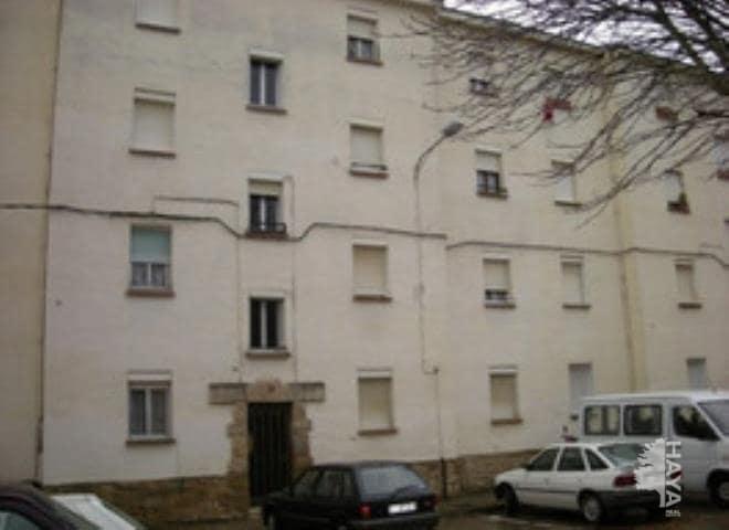 Piso en venta en Oyón/oion, Oyón-oion, Álava, Plaza Alava, 26.800 €, 3 habitaciones, 1 baño, 48 m2