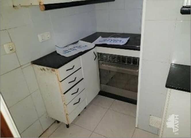 Piso en venta en Santa Coloma de Gramenet, Barcelona, Calle Bruc, 74.000 €, 3 habitaciones, 1 baño, 61 m2