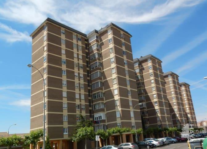 Piso en venta en Los Olmillos, Villamuriel de Cerrato, Palencia, Calle los Olmillos, 78.710 €, 4 habitaciones, 2 baños, 90 m2
