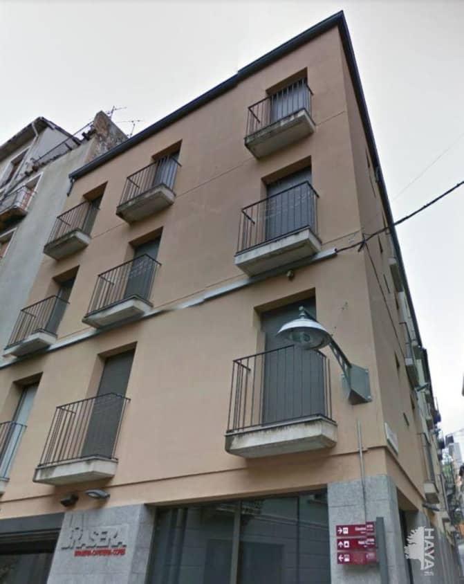 Piso en venta en Can Moca, Olot, Girona, Calle Verge del Portal, 130.000 €, 3 habitaciones, 2 baños, 76 m2