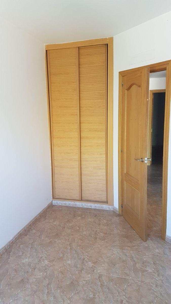 Casa en venta en Casa en Córdoba, Córdoba, 140.800 €, 3 habitaciones, 3 baños, 131 m2