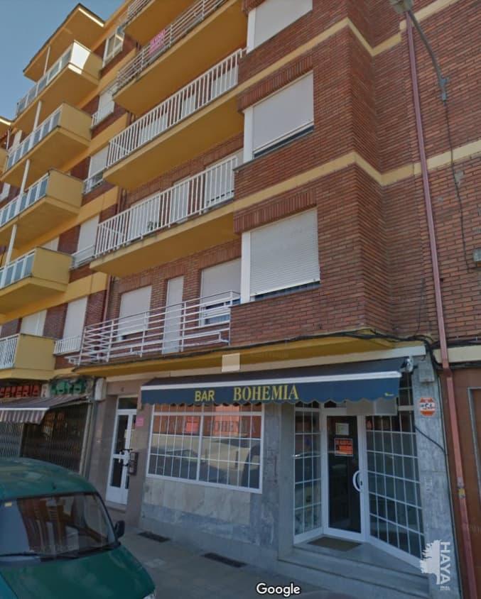 Piso en venta en Compostilla, Ponferrada, León, Calle Hortensias, 72.800 €, 3 habitaciones, 1 baño, 112 m2