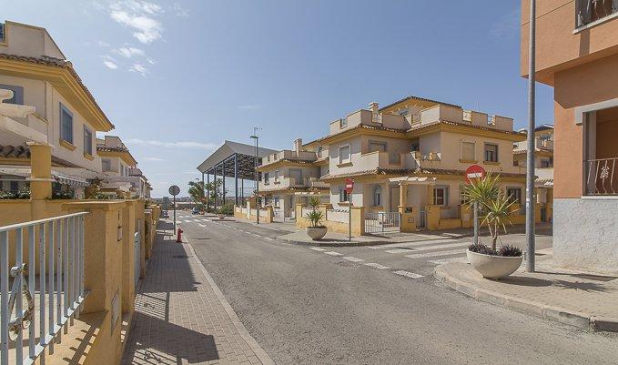Casa en venta en Murcia, Murcia, Avenida Magistrado Jaime Gestoso, 68.000 €, 3 habitaciones, 2 baños, 121 m2