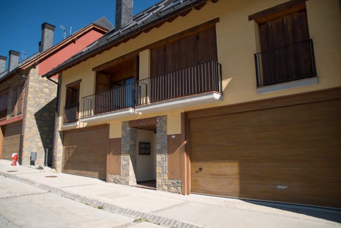 Piso en venta en Betren, Mont, Lleida, Calle Coret de Mont, 194.000 €, 4 habitaciones, 2 baños, 109 m2