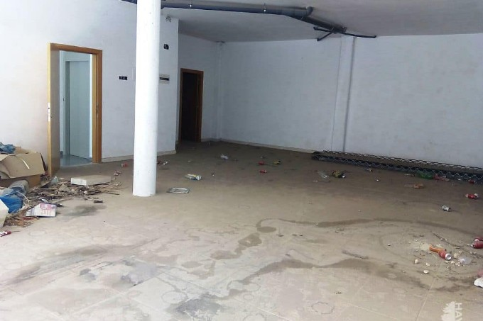 Local en venta en Local en Cervera, Lleida, 36.289 €, 100 m2