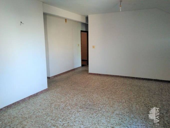 Piso en venta en Cedillo del Condado, Cedillo del Condado, Toledo, Calle Cao, 61.900 €, 3 habitaciones, 1 baño, 86 m2