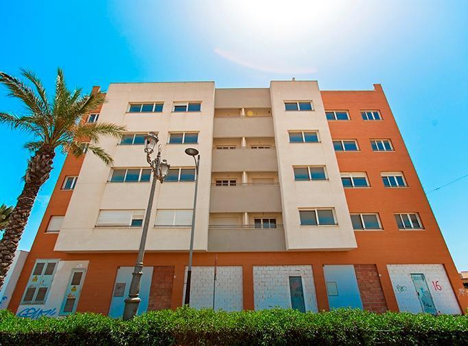 Piso en venta en Playa Serena, Roquetas de Mar, Almería, Calle Satarem, 49.000 €, 2 habitaciones, 2 baños, 103 m2