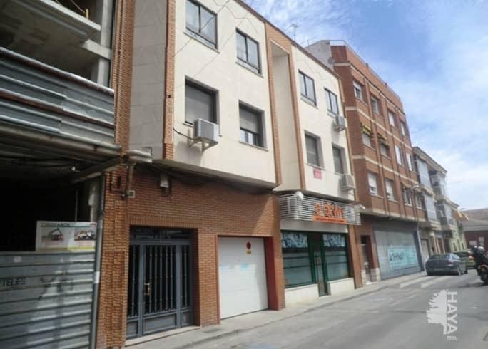 Piso en venta en La Magdalena, Valdepeñas, Ciudad Real, Calle Bataneros, 56.000 €, 3 habitaciones, 1 baño, 98 m2