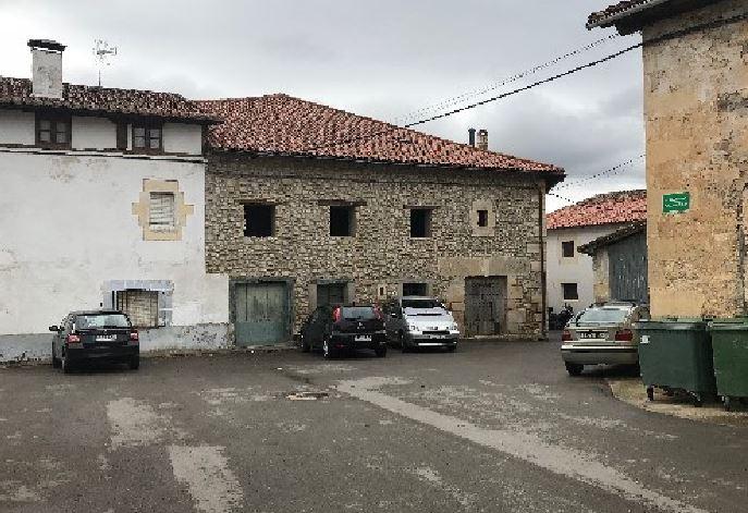 Casa en venta en Condado de Treviño, Burgos, Calle la Iglesia, 38.600 €, 6 habitaciones, 1 baño, 202 m2