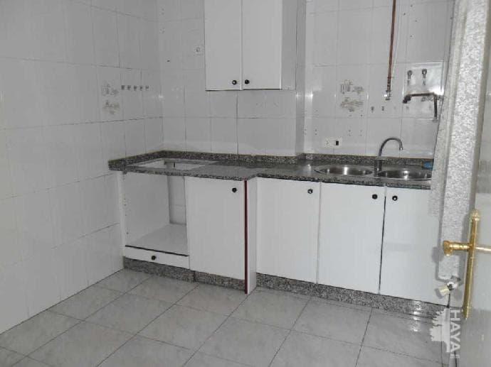 Piso en venta en Piso en Cacabelos, León, 33.439 €, 3 habitaciones, 1 baño, 68 m2, Garaje