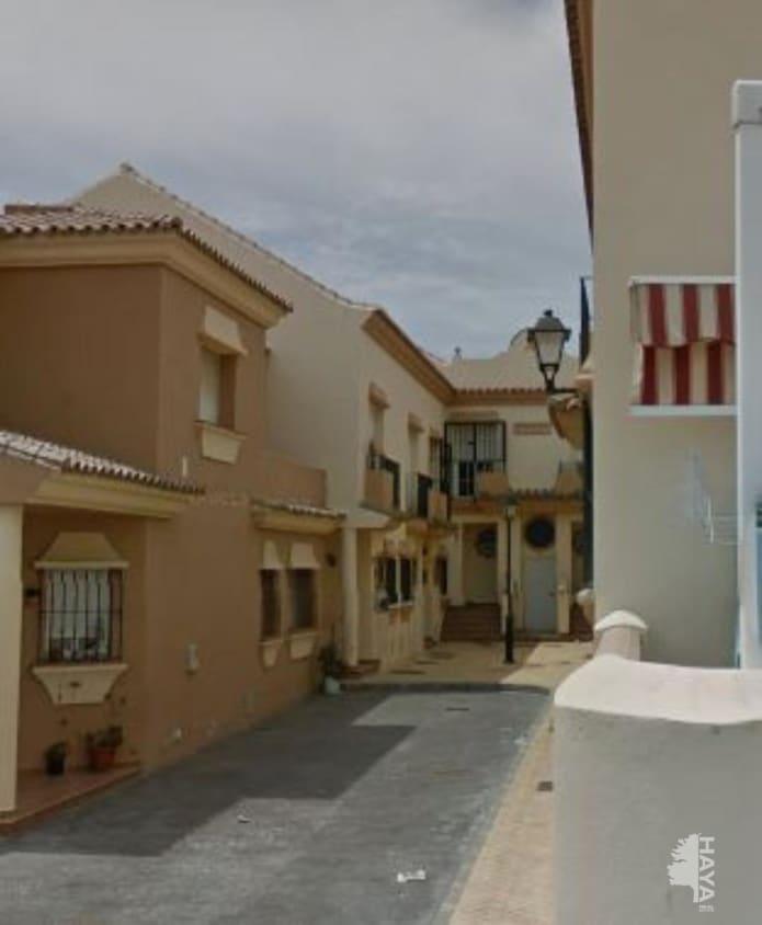 Piso en venta en El Rinconcillo, Algeciras, Cádiz, Calle Cabo Ajo, 121.000 €, 2 habitaciones, 2 baños, 149 m2