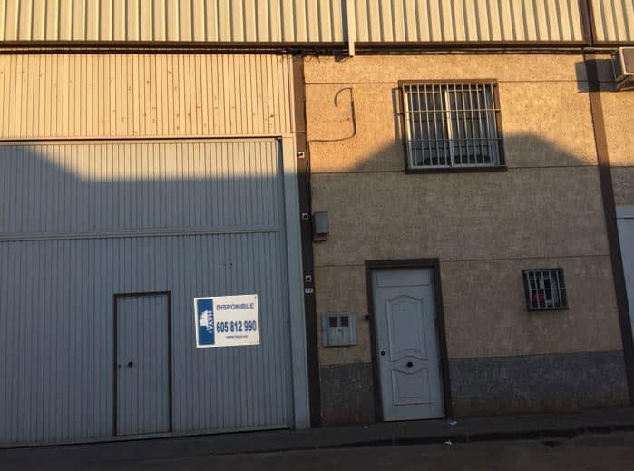 Industrial en venta en Córdoba, Córdoba, Calle Diego Galvan, 126.101 €, 257 m2