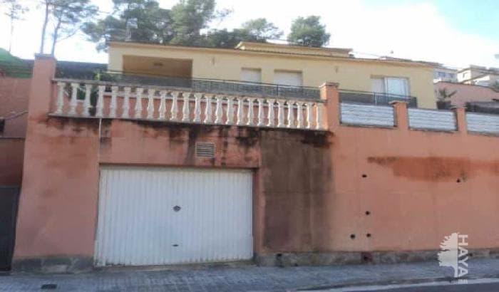 Casa en venta en Canyelles, Barcelona, Calle Ronda Gaudí, 197.684 €, 3 habitaciones, 1 baño, 199 m2