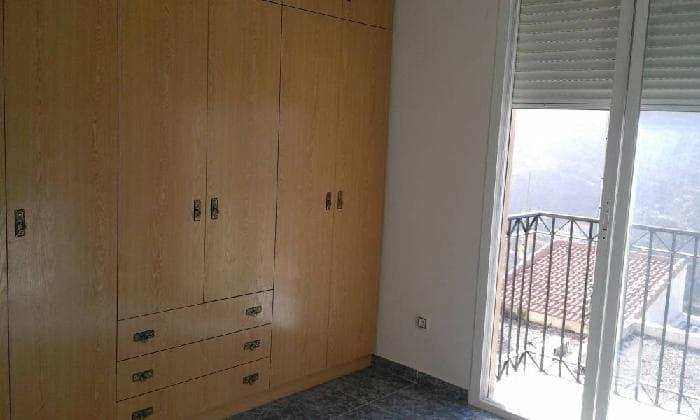 Piso en venta en Macael, Almería, Calle Manuel de Falla, 77.000 €, 3 habitaciones, 2 baños, 116 m2