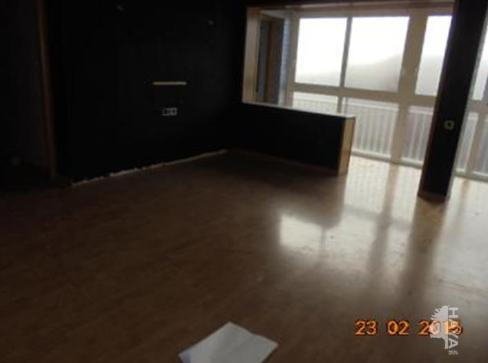 Piso en venta en Calaf, Barcelona, Avenida Pau (de La), 39.420 €, 4 habitaciones, 2 baños, 110 m2
