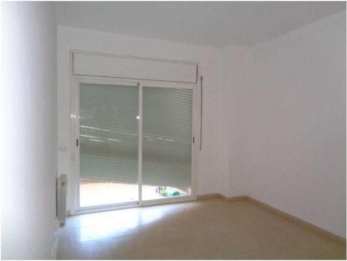 Piso en venta en Torre-sana, Terrassa, Barcelona, Calle de Logronyo, 139.000 €, 2 habitaciones, 1 baño, 82 m2