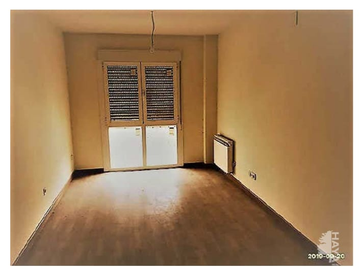 Piso en venta en Cebreros, Ávila, Calle Conde Lucena, 48.000 €, 1 baño, 54 m2