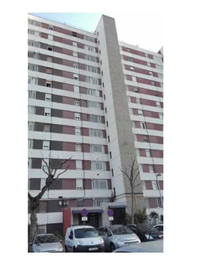 Piso en venta en Bellvitge, L` Hospitalet de Llobregat, Barcelona, Calle Rambla Marina, 67.800 €, 3 habitaciones, 1 baño, 69 m2