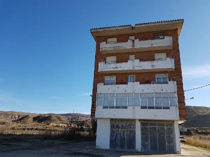 Piso en venta en Monzón de Campos, Palencia, Calle Ensanche, 34.398 €, 3 habitaciones, 1 baño, 93 m2
