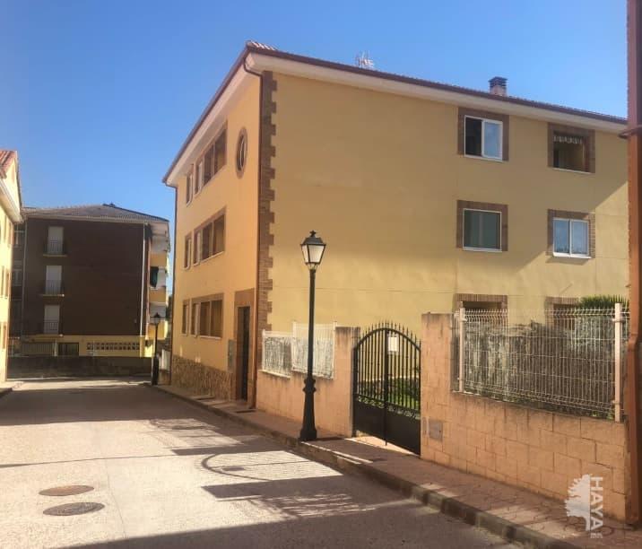 Piso en venta en Sotillo de la Adrada, Ávila, Avenida Rodriguez Miñon, 61.000 €, 1 baño, 96 m2
