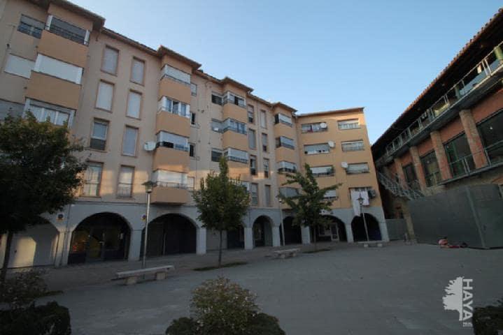 Piso en venta en Xalet del Robert, Torelló, Barcelona, Plaza Torners (els), 63.600 €, 3 habitaciones, 1 baño, 89 m2