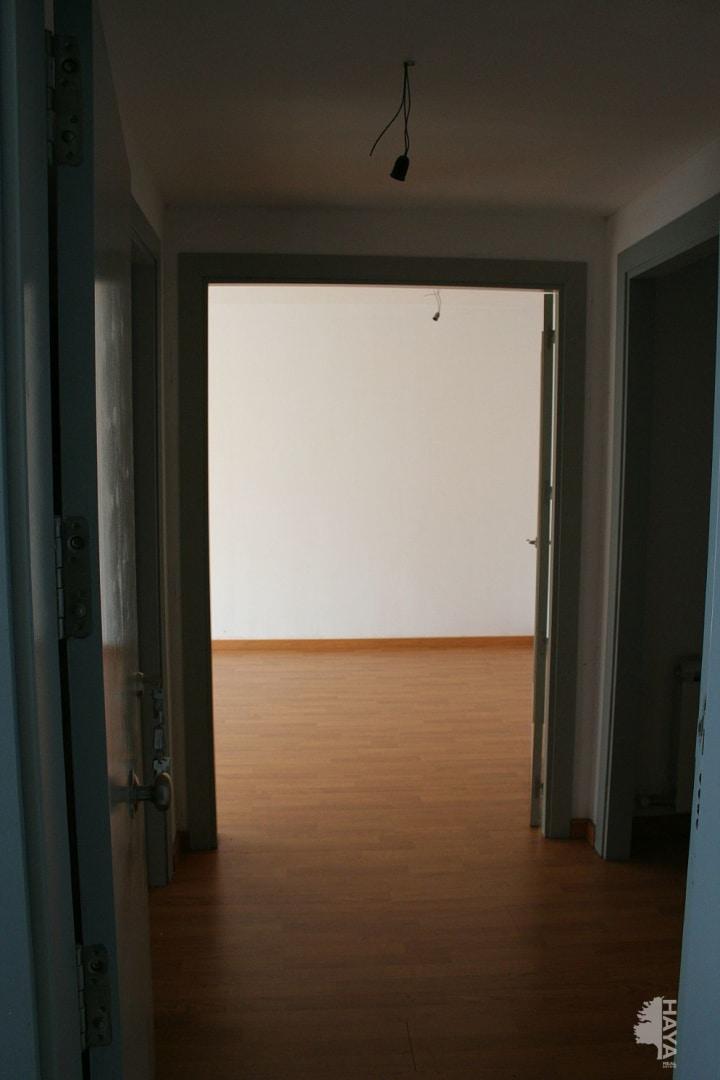 Piso en venta en Tremp, Lleida, Calle Sant Jordi, 69.300 €, 3 habitaciones, 1 baño, 79 m2