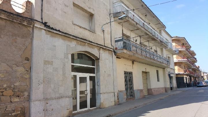 Piso en venta en Sant Vicenç de Castellet, Barcelona, Calle Doctor Trias, 73.372 €, 4 habitaciones, 1 baño, 126 m2