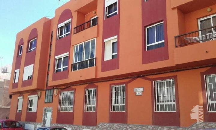 Piso en venta en Agüimes, Las Palmas, Calle Roque Nublo, 92.000 €, 3 habitaciones, 1 baño, 104 m2