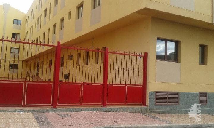Piso en venta en Santa Lucía de Tirajana, Las Palmas, Calle Orilla Baja, 96.000 €, 2 habitaciones, 1 baño, 118 m2