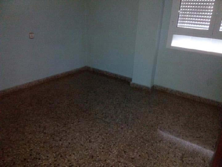 Piso en venta en Piso en Elda, Alicante, 59.800 €, 4 habitaciones, 4 baños, 106 m2