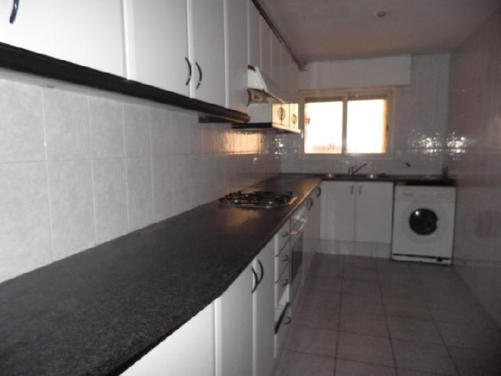 Piso en venta en Salt, Girona, Plaza Catalunya, 57.700 €, 3 habitaciones, 1 baño, 89 m2