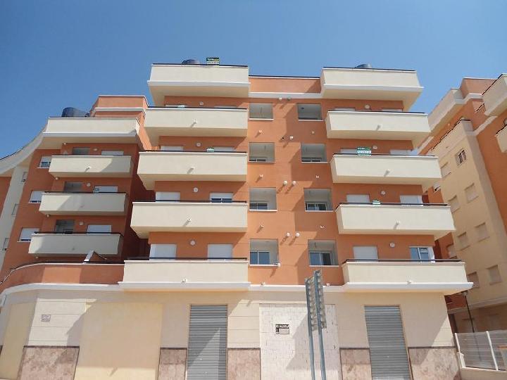 Piso en venta en Monforte del Cid, Alicante, Calle Oscar Espla, Urb. Torres de Monforte, 81.700 €, 3 habitaciones, 2 baños, 120 m2
